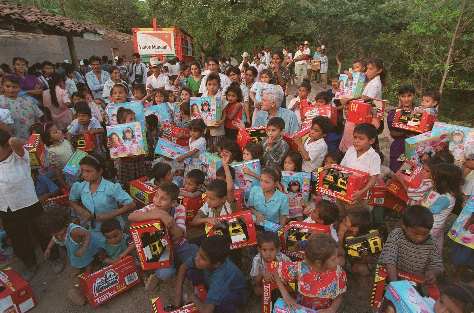 1985- Enfoque en los niños